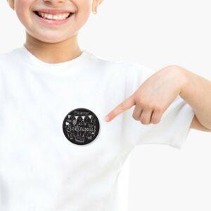 Az Év Szülinaposa Fekete Színű Ajándék Parti Kitűző Szülinapra 2