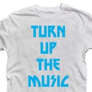 Turn Up The Music Zenei Feliratos Póló 2
